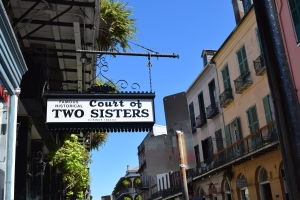 Court of Two Sisters has a daily jazz brunch