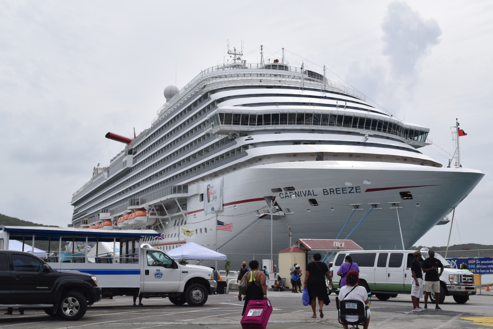 What do reviews say about the Tom Joyner Fantastic Voyage cruise?