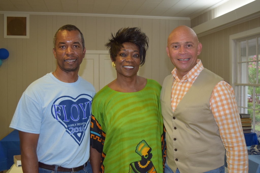 Jessie Miller, BJ Ferguson and Natchez Mayor Darryl Grennell at the Floyd Family Reunion