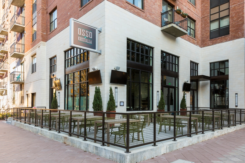 2 Girls Who Travel Get a First Look at Houston Astros Owner Jim Crane's New Restaurants